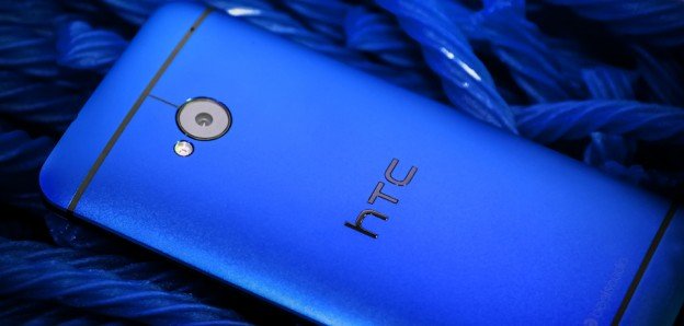 htc-one-blue-2
