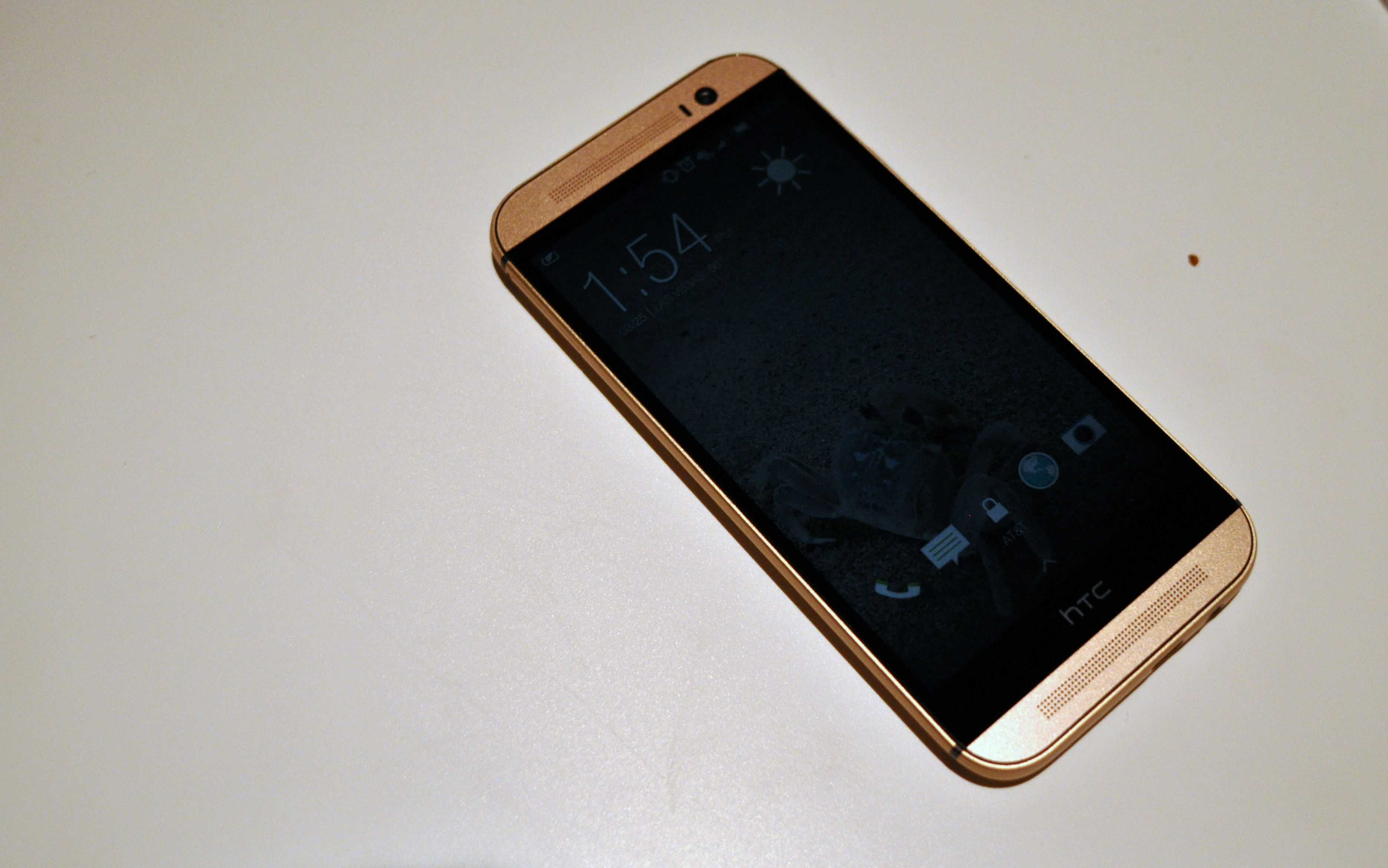 htc one m8 gold. hands-on pictures of the htc one (m8) amber gold htc m8 m