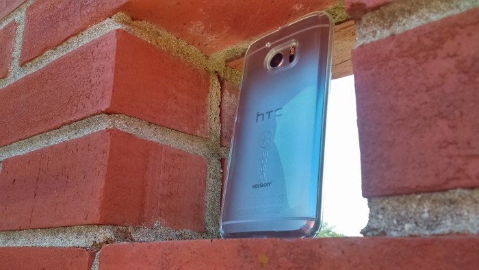 Giveaway: Speck CandyShell Case for the HTC 10