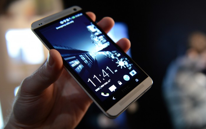 Video: Hands-on with the HTC One – HTC Source